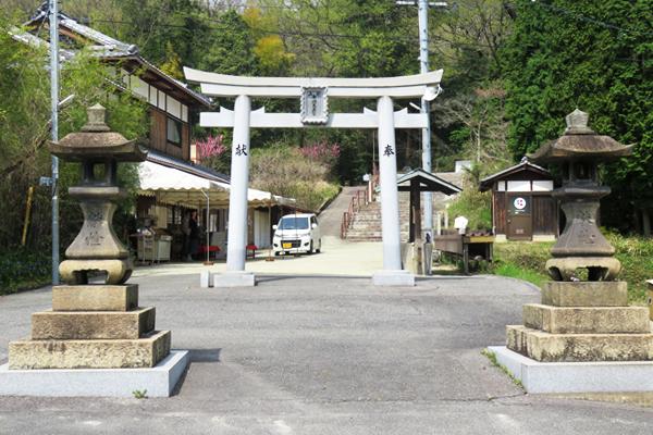 田倉牛神社(たくらうしがみしゃ)